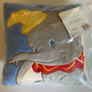 $5 W/BUNDLE* DUMBO PILLOW, NWT